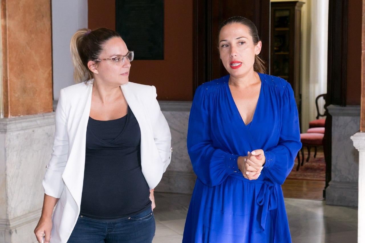 Reunión de la consejera de Derechos Sociales, Noemí Santana, en el ayuntamiento de Santa Cruz de Tenerife