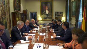 El presidente de Canarias se reúne con el ministro de Fomento
