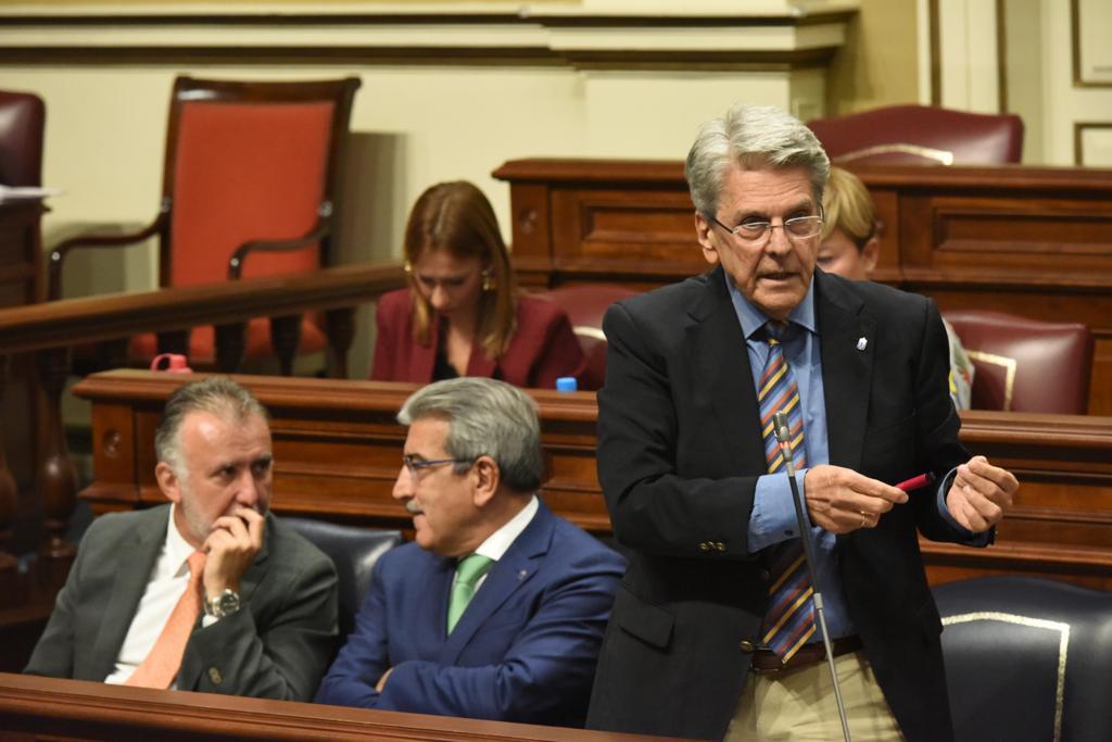 Julio Pérez en el Parlamento de Canarias el 24 de septiembre de 2019