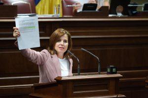 Teresa Cruz Oval en el Parlamento