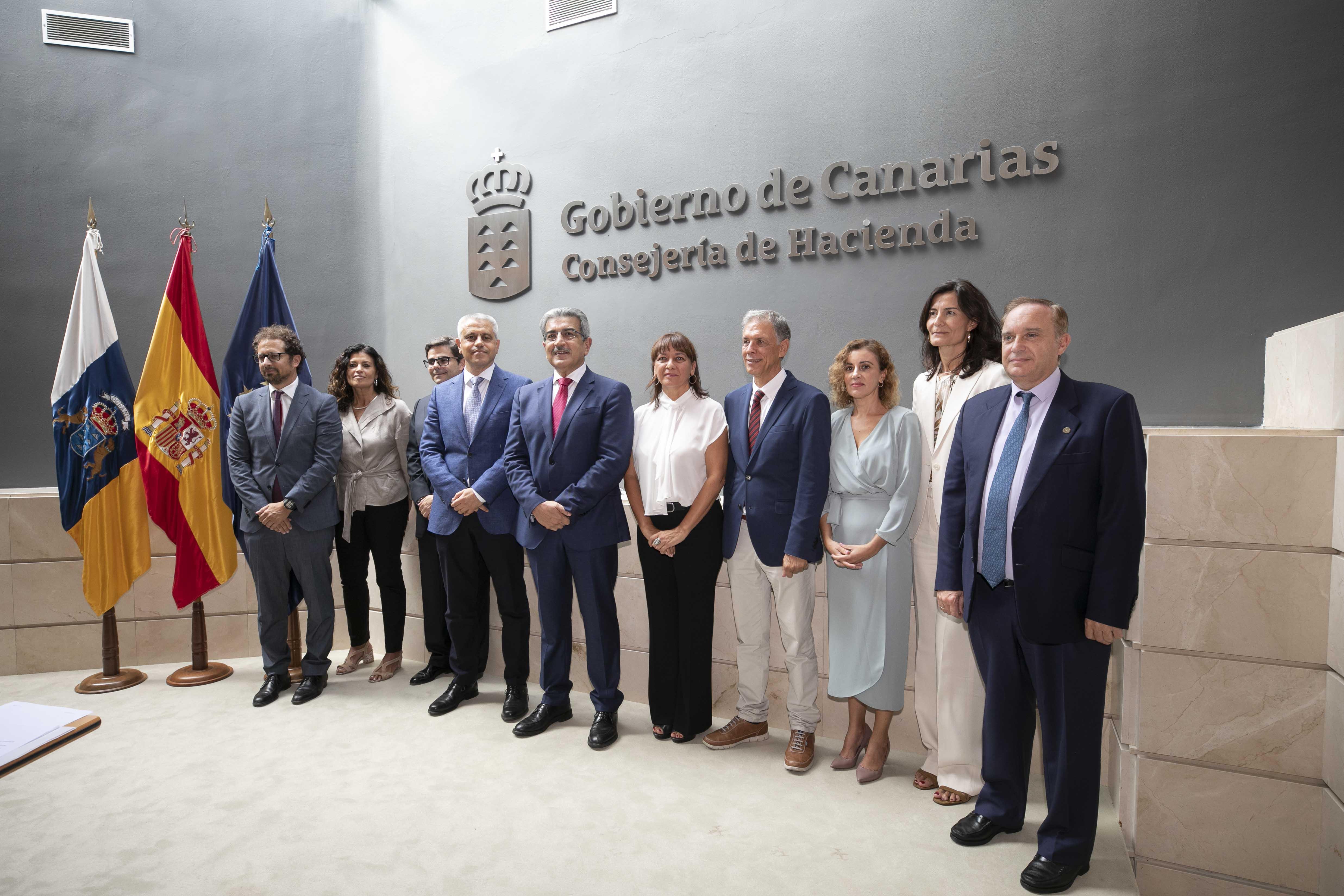 Román Rodríguez destaca la experiencia y alta cualificación de los nuevos altos cargos de Hacienda