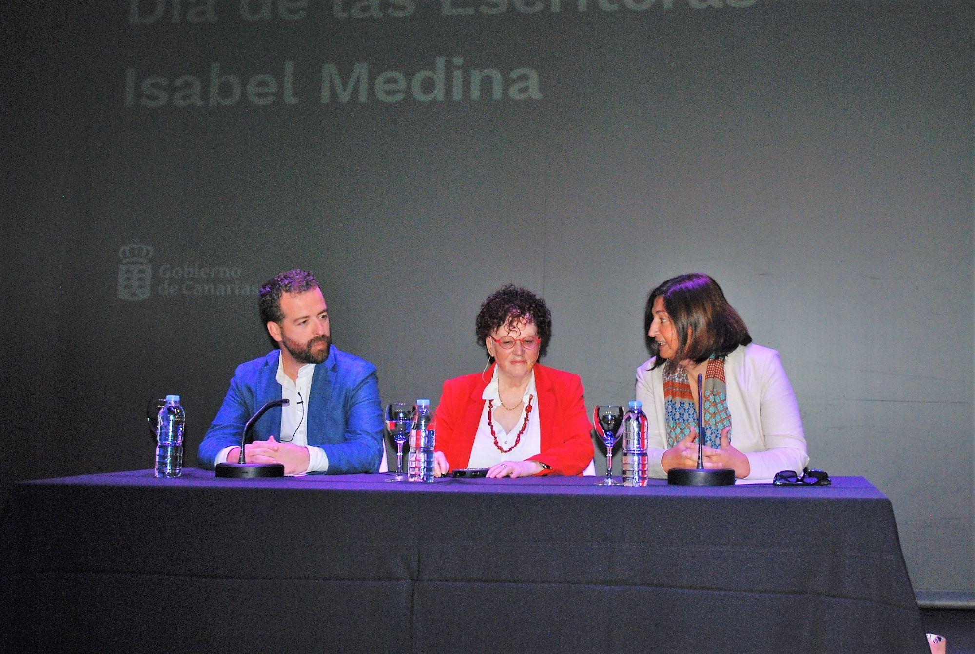 Homenaje a Isabel Medina
