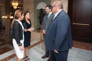 21102019 Yaiza Castilla junto a Pilar Parejo y el el director general del centenario enclave Alirio Pérez