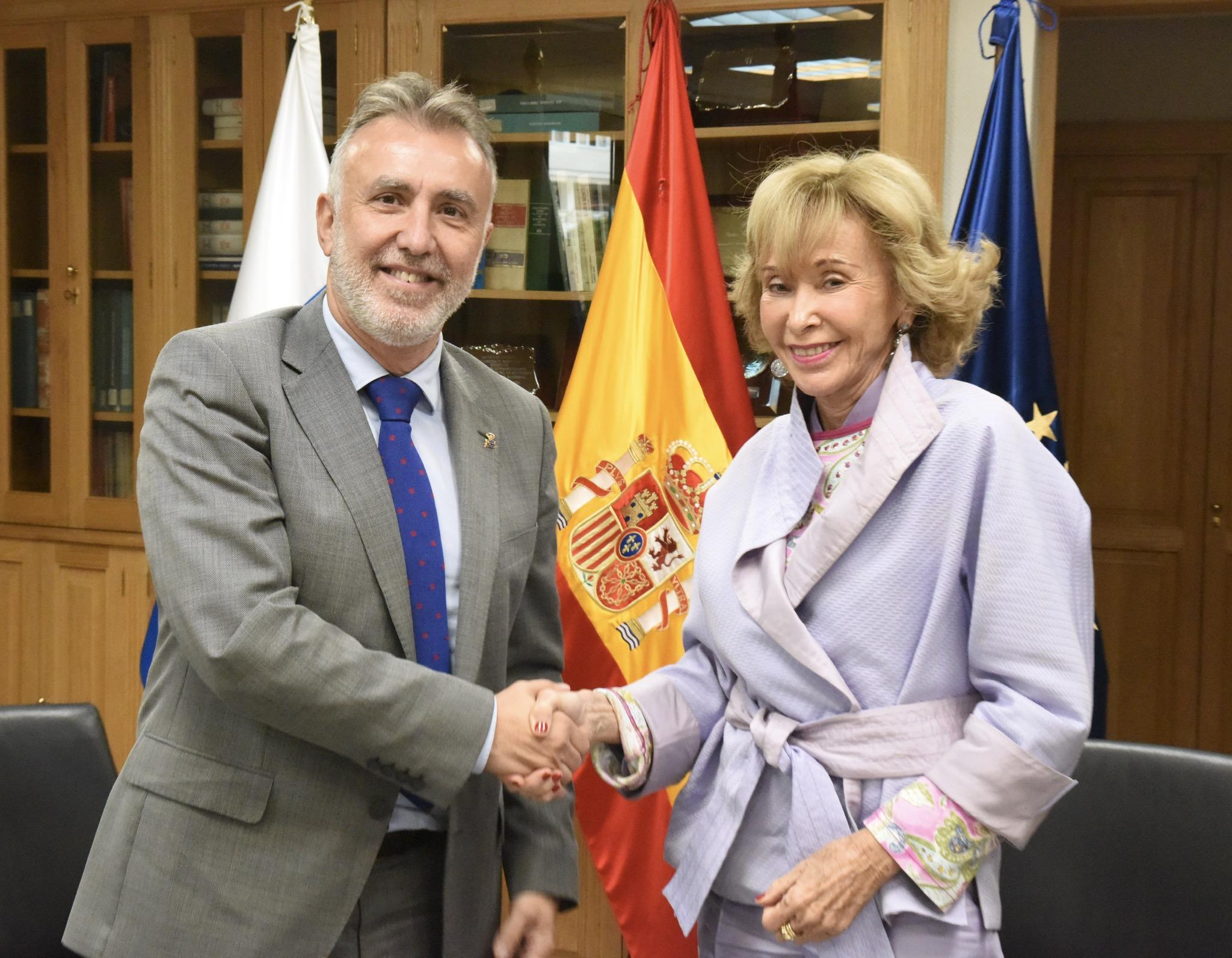 Encuentro con María Teresa Fernández de la Vega