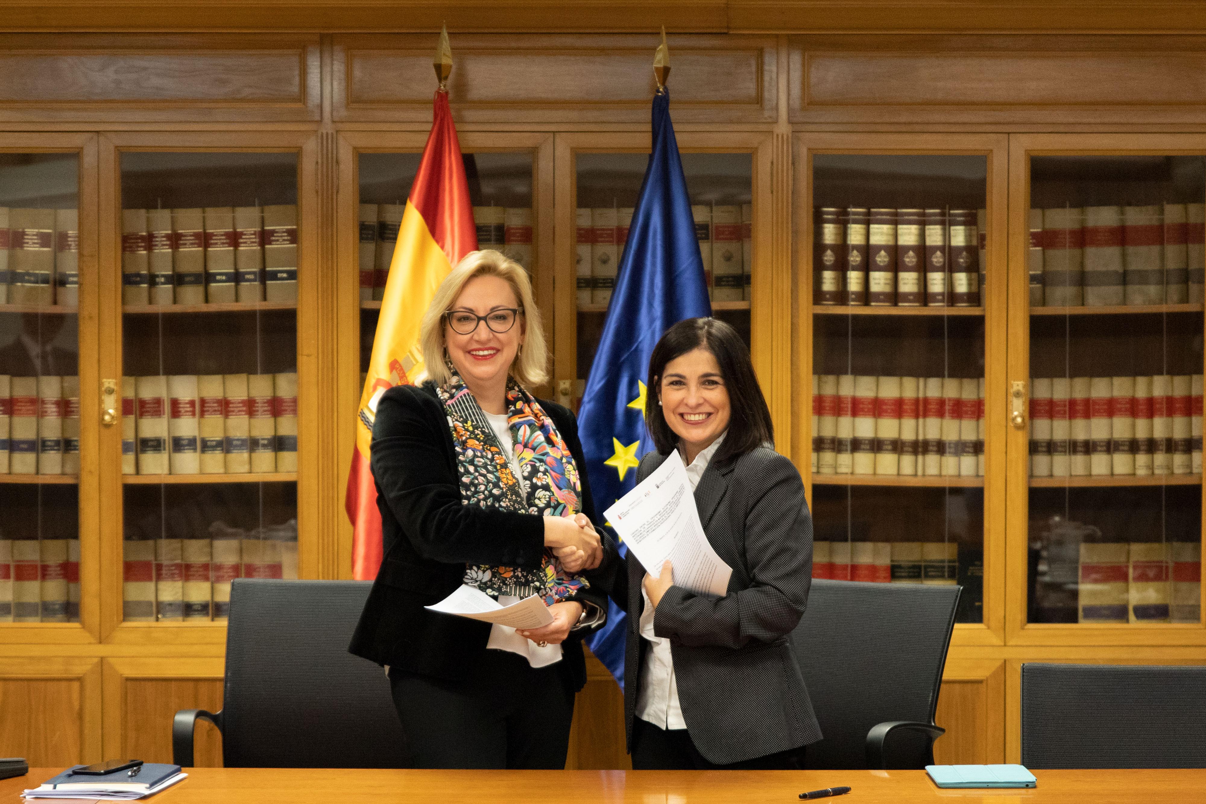 Darias y Serrano, tras la firma