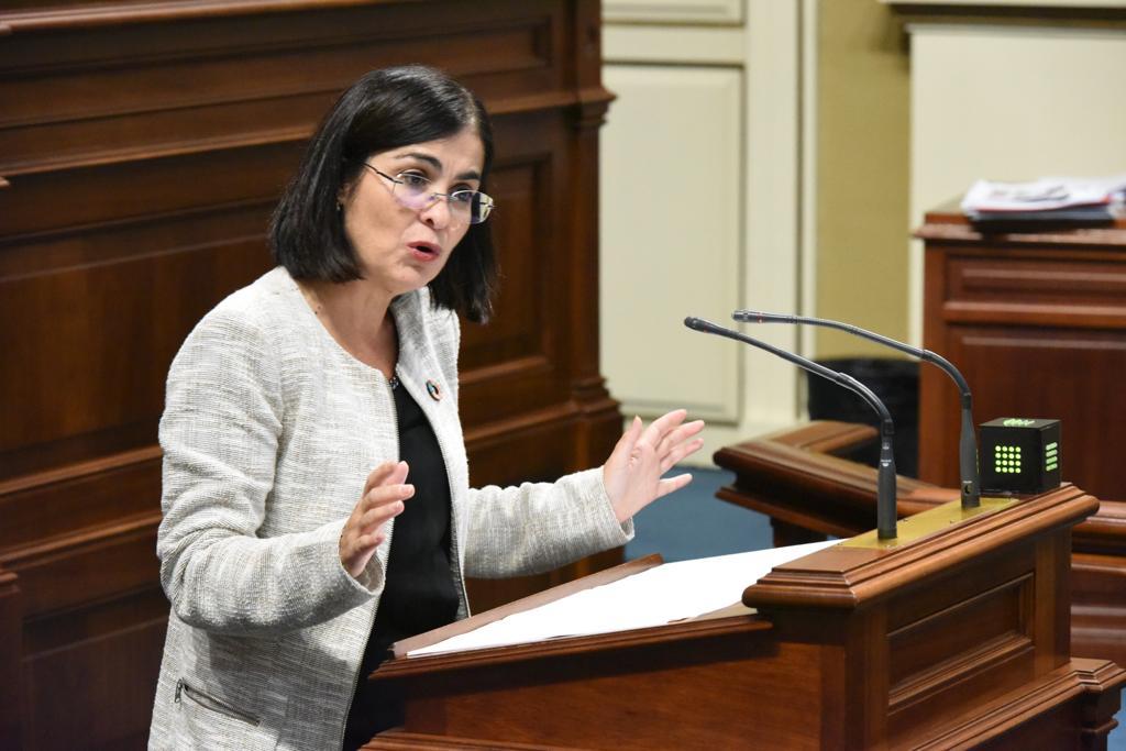 Darias, en el Pleno del Parlamento