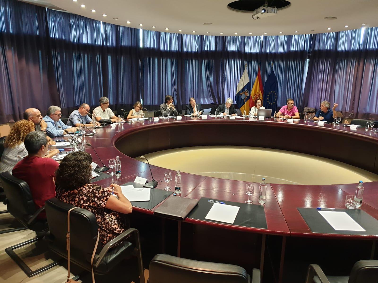 Primera reunión Julio Pérez con los representantes sindicales