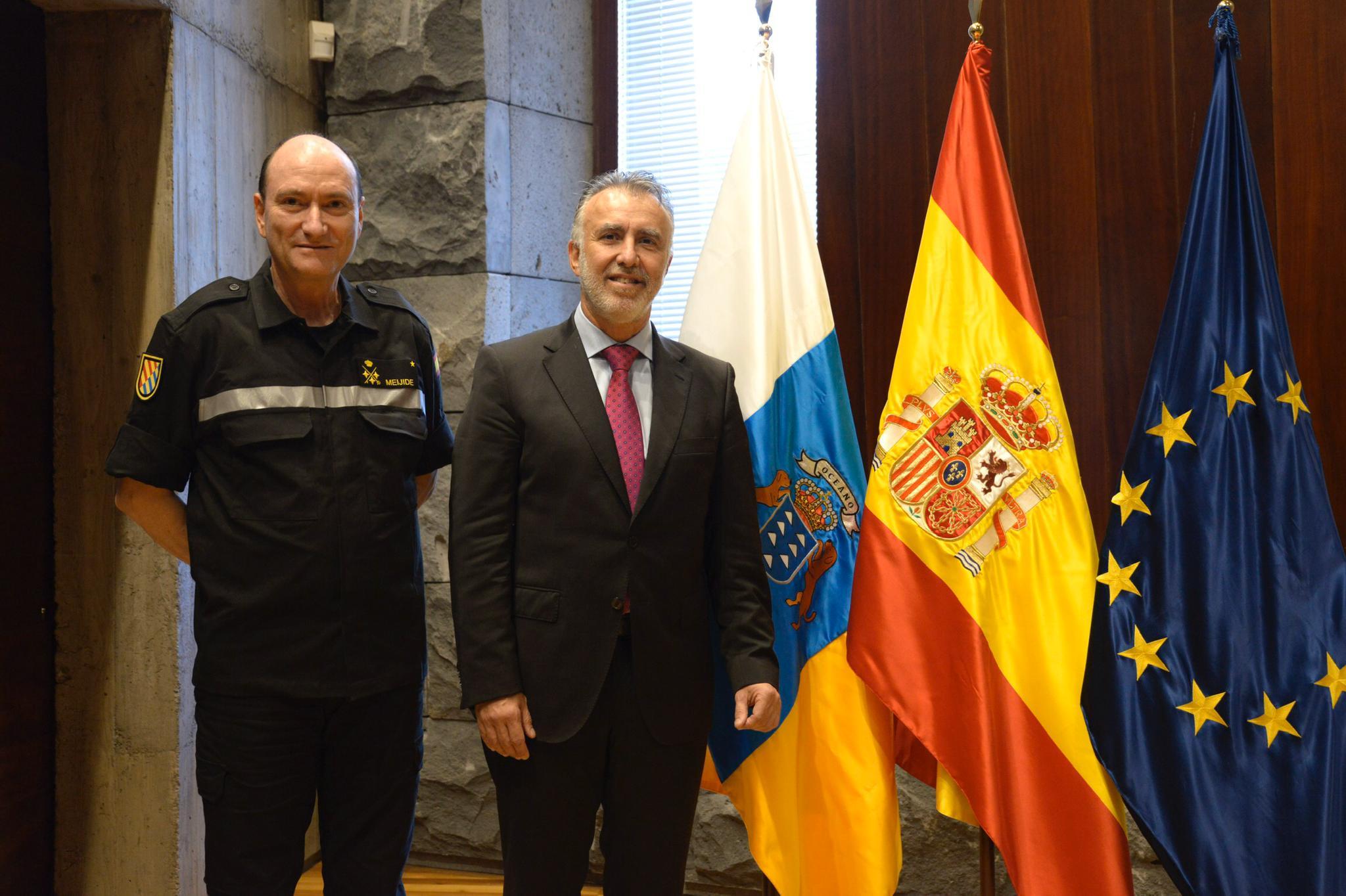 El presidente de Canarias recibe al teniente general responsable de la Unidad Militar de Emergencias
