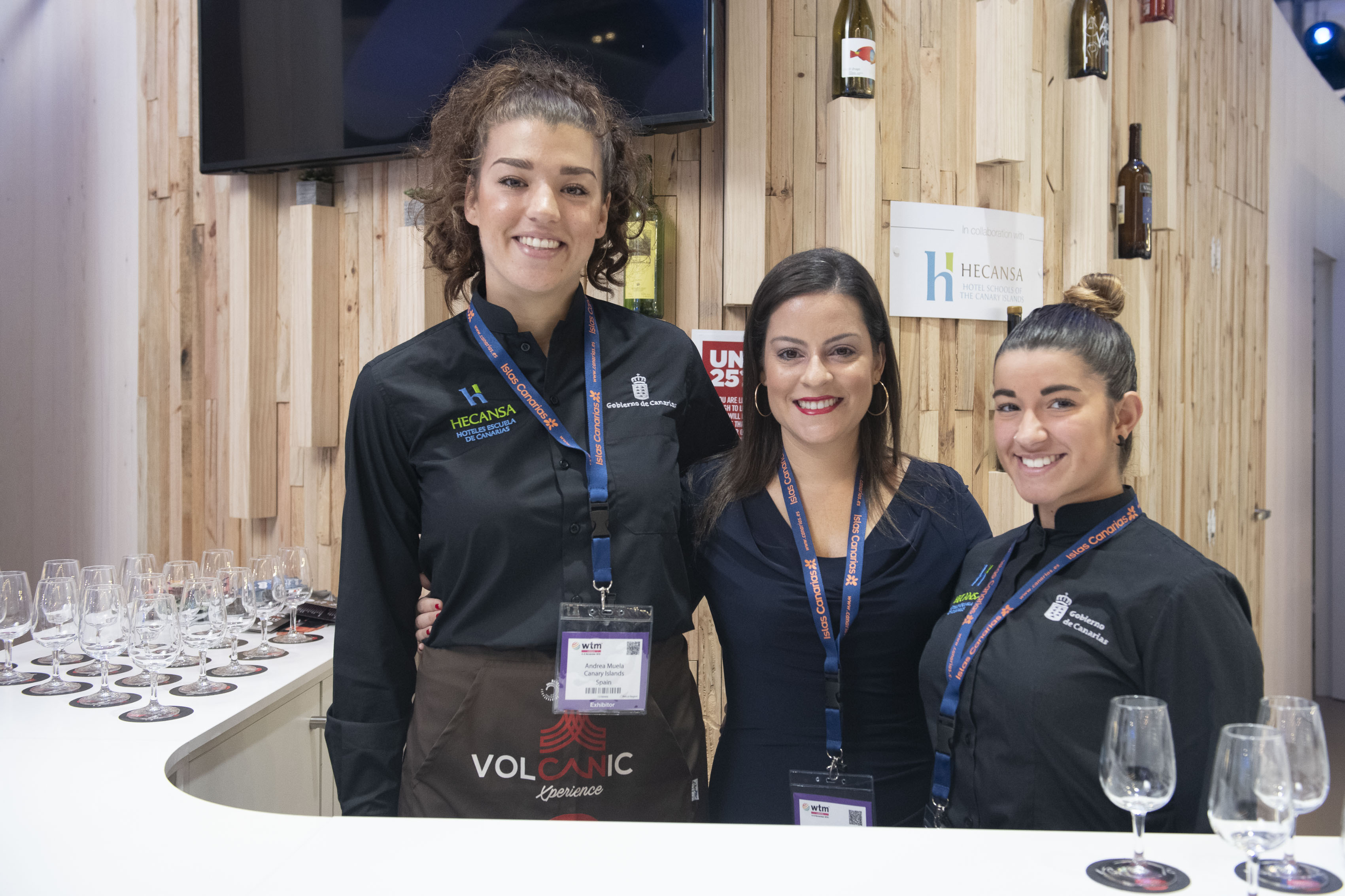 05112019 Yaiza Castilla con alumnas de Hecansa