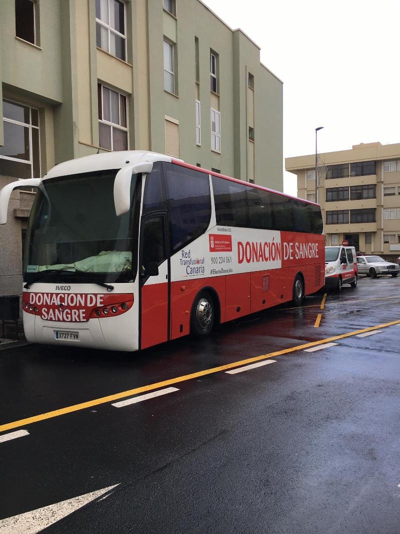 Las unidades móviles del ICHH visitan Santa María de Guía para su campaña de extracción de sangre