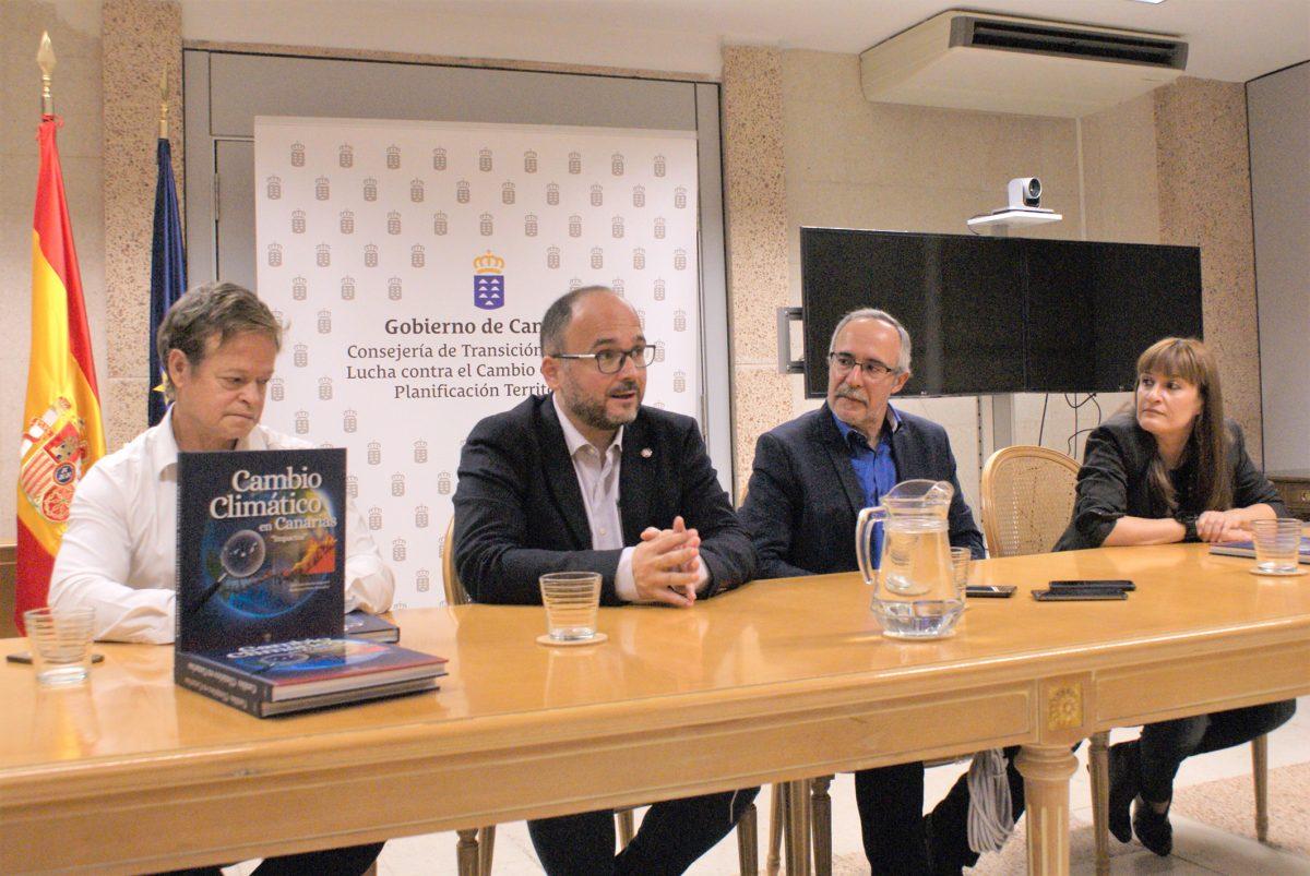 José Antonio Valbuena presenta libro sobre cambio climático