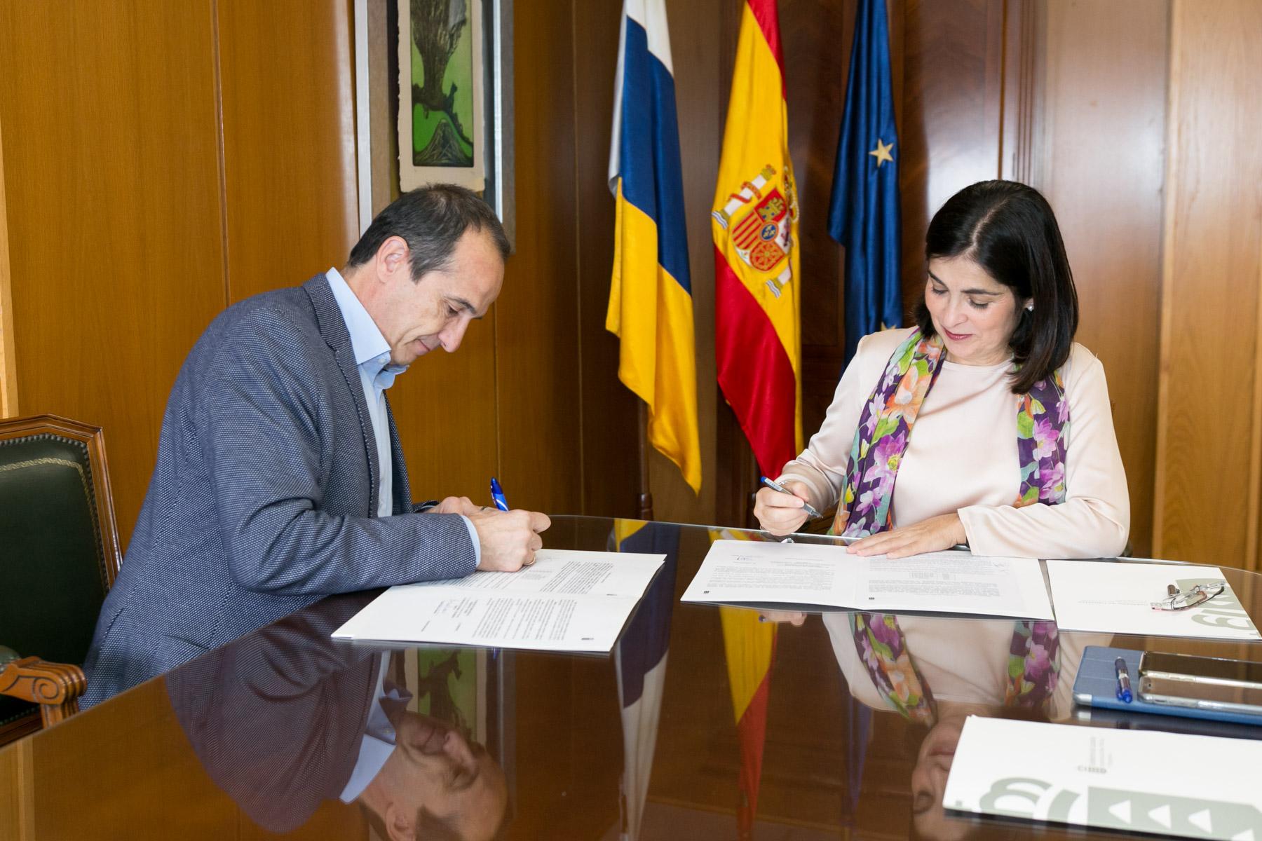 Obras Públicas firma el contrato para la ejecución de las obras del cierre del Anillo Insular de Tenerife