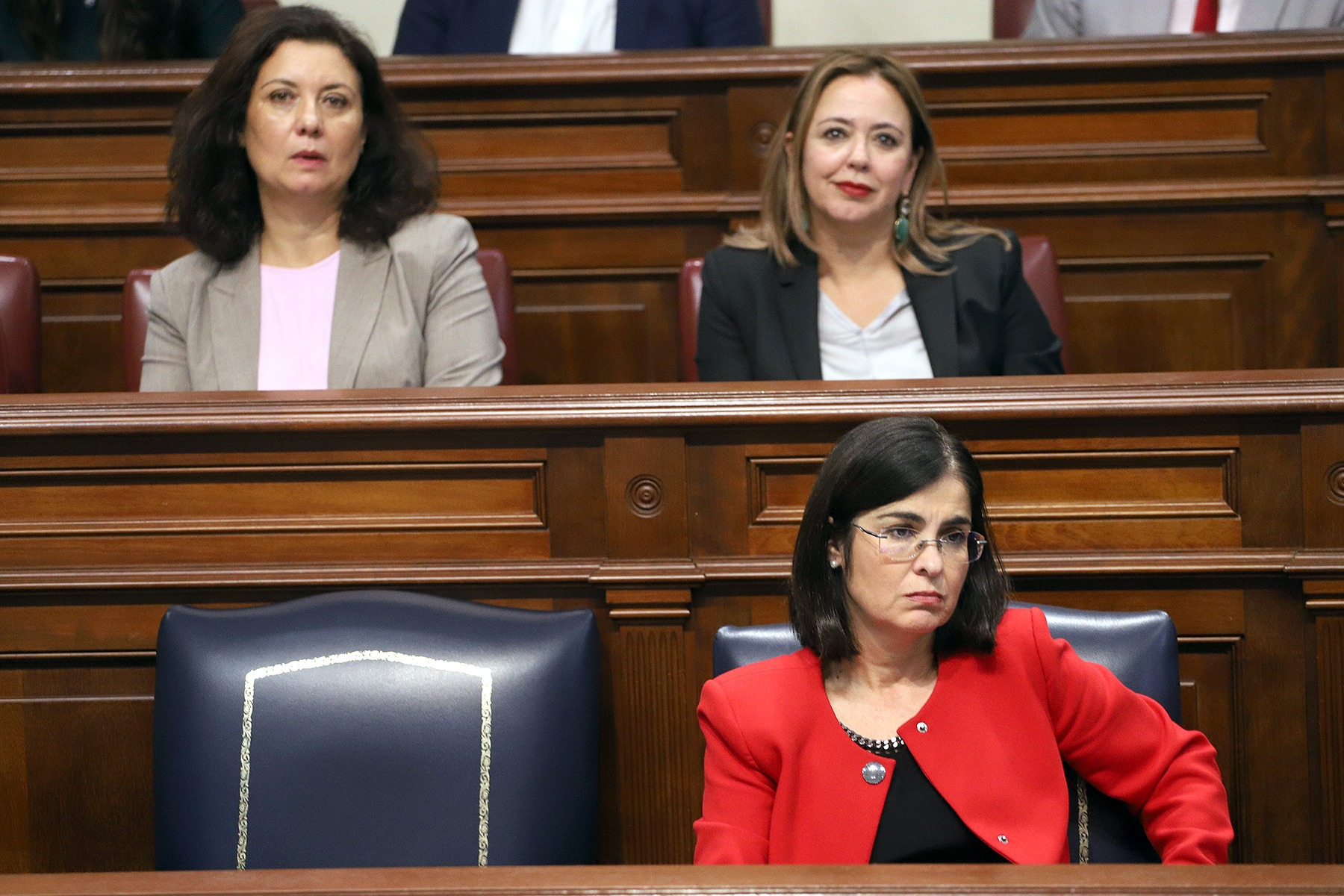 La consejera, en el Pleno del Parlamento de Canarias