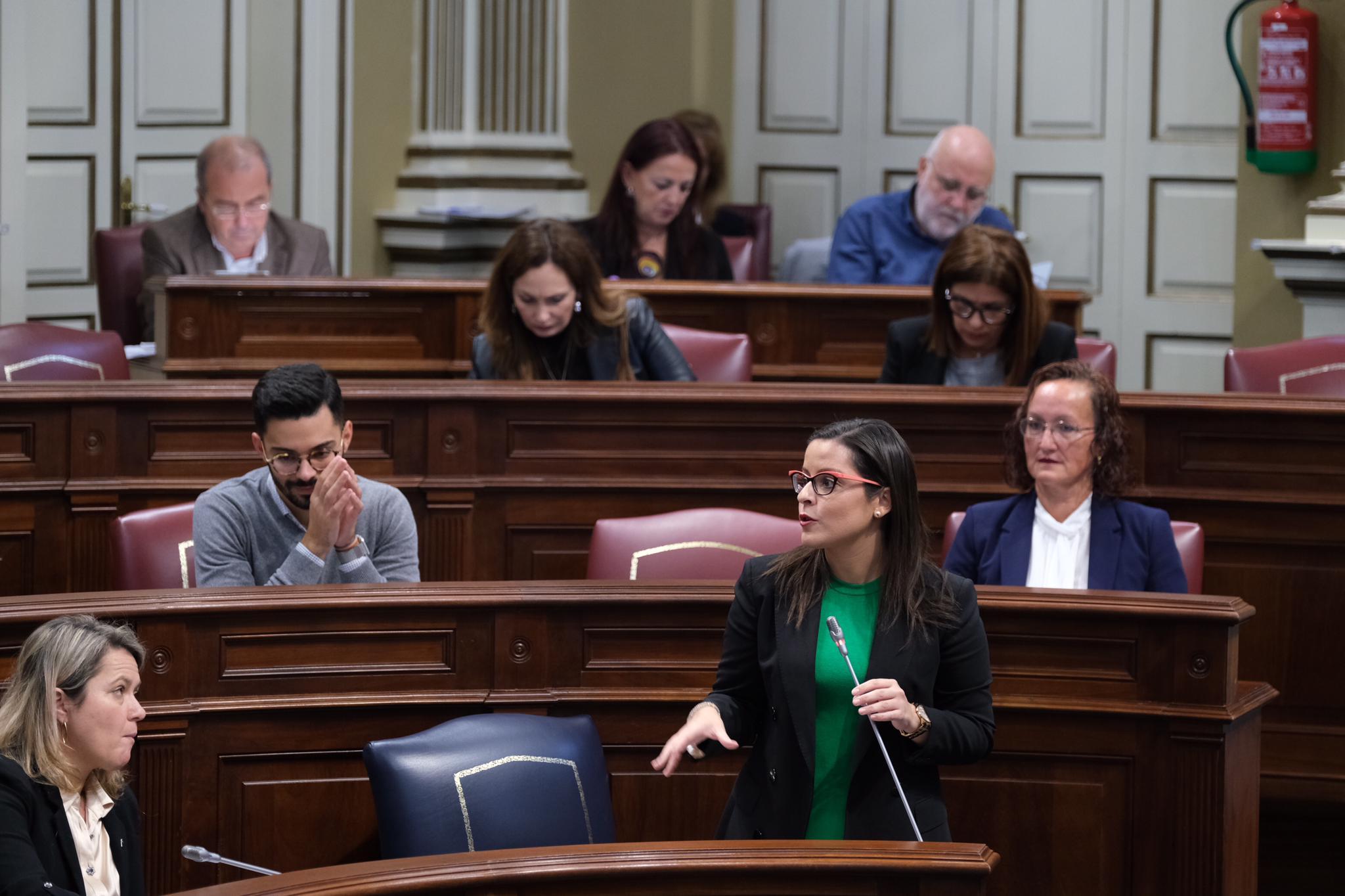 Yaiza Castilla este miércoles en el Parlamento de Canarias