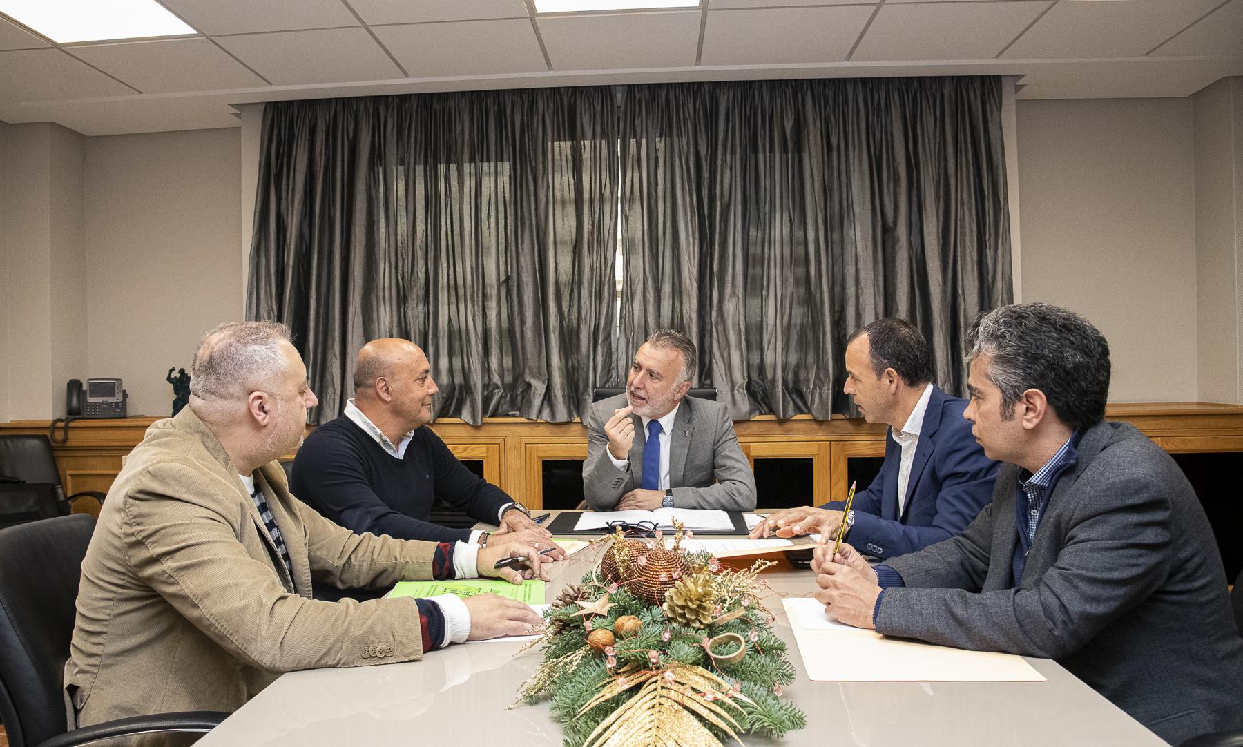 Gobierno de Canarias - Asamblea 7 Islas