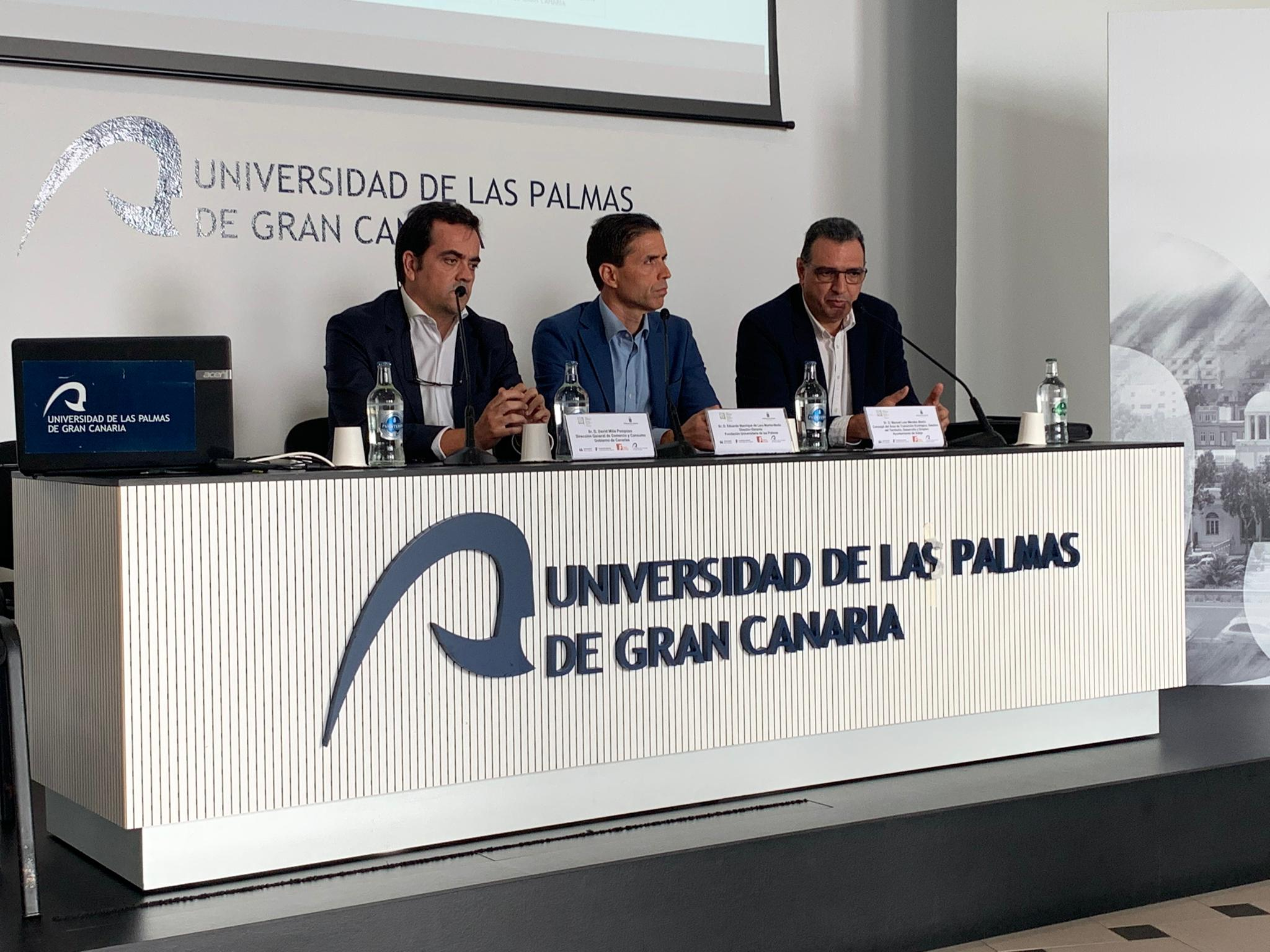 El director de Comercio, David Mille, el gerente de la Fulp,Eduardo Manrique y el concejal de Adeje, Manuel Méndez, clausuraron el acto.