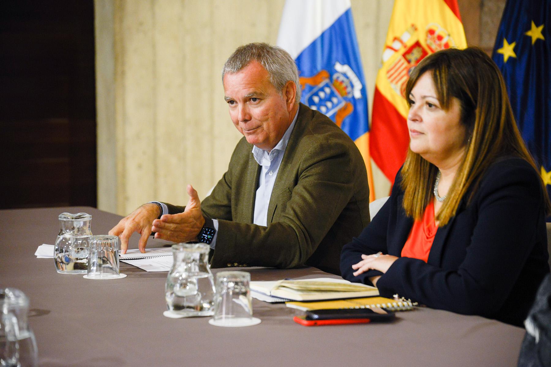 Franquis solicita el respaldo de los principales sindicatos de las Islas al Pacto por la Vivienda Digna en Canarias