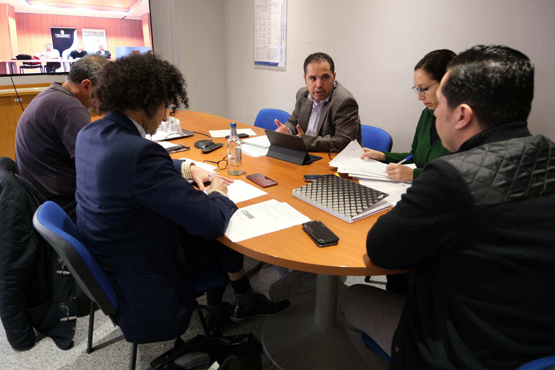 Gustavo Santana y Alejandro Ramos durante la reunión