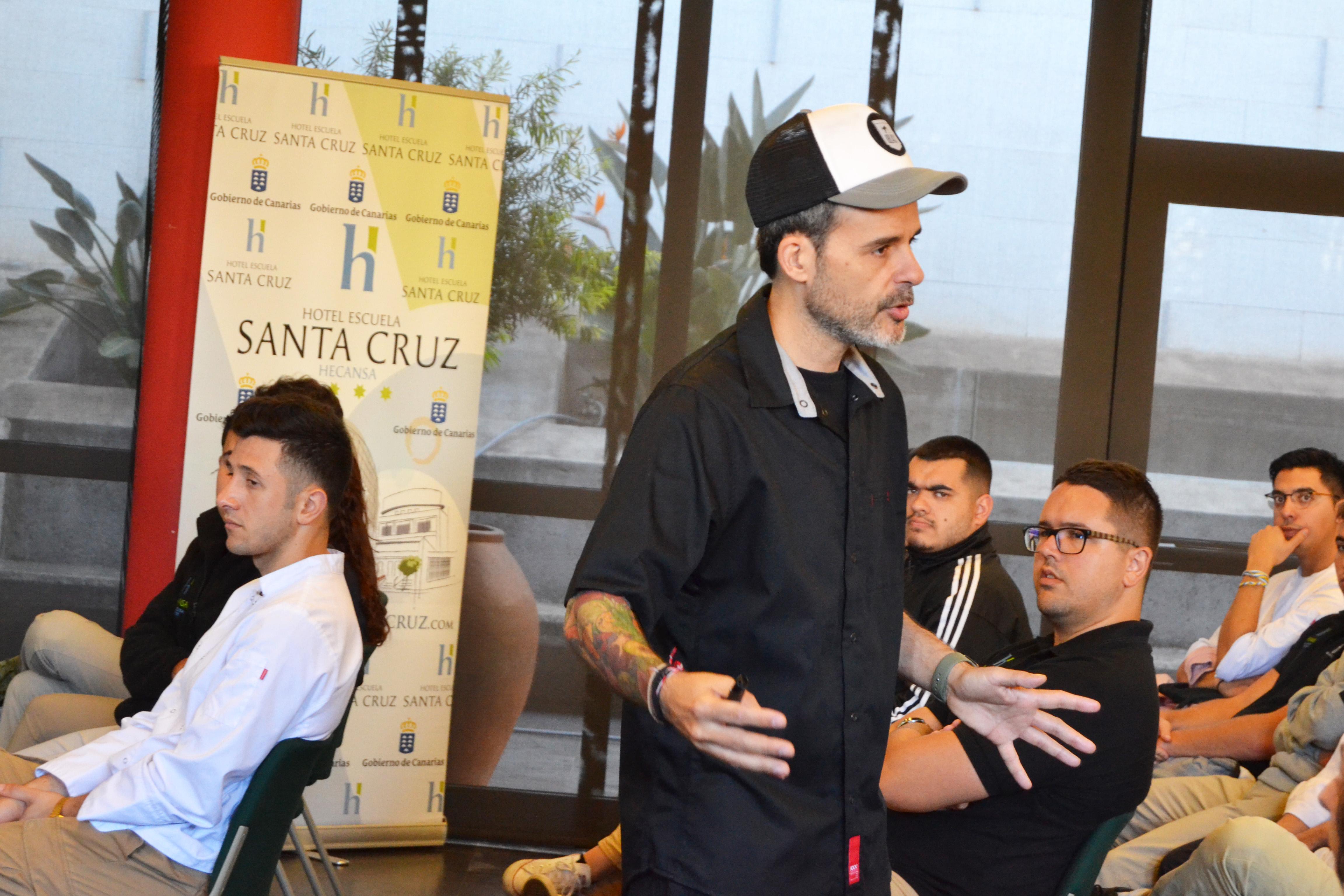 03032020 Juan Llorca Hotel Escuela Santa Cruz