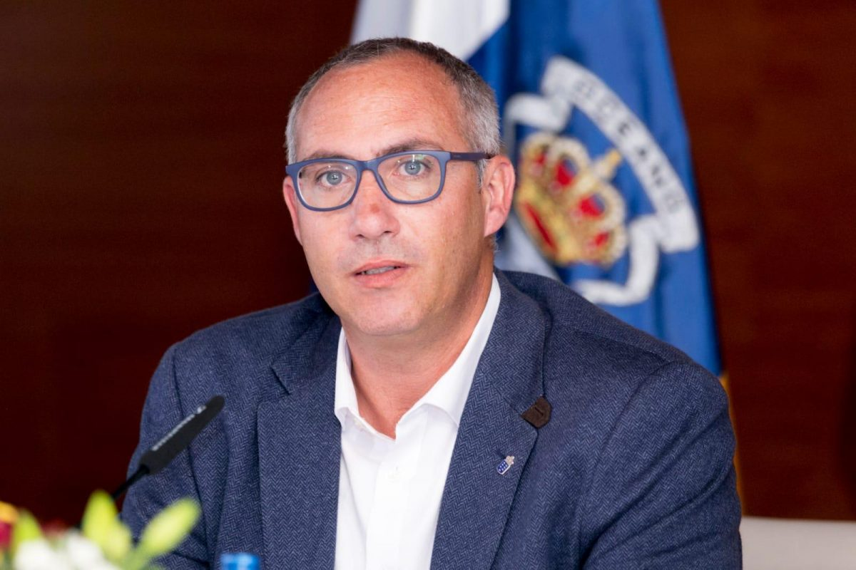 El director general Víctor Navarro