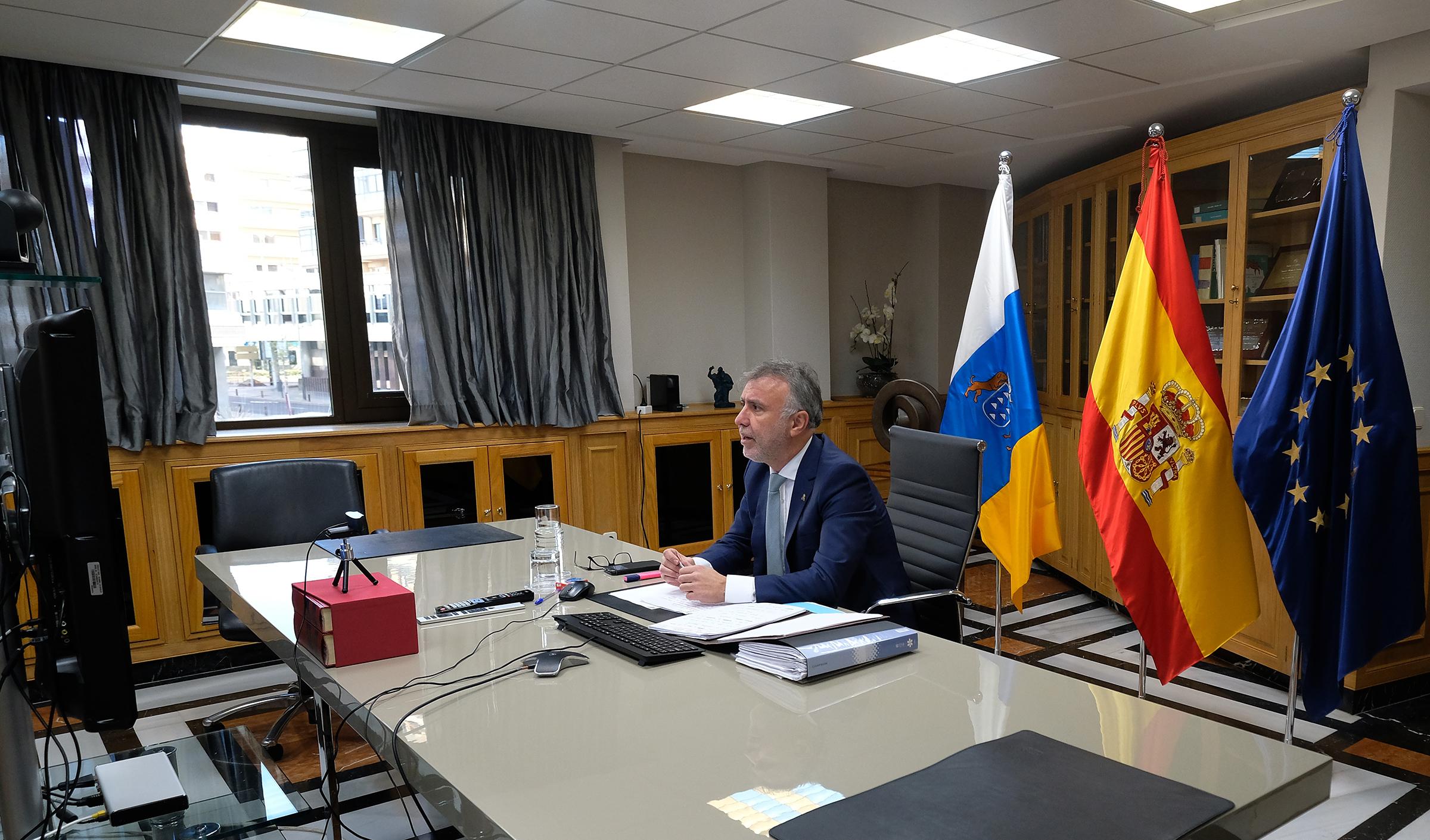 Ángel Víctor Torres preside un nuevo encuentro con los alcaldes de las ciudades más pobladas de Canarias