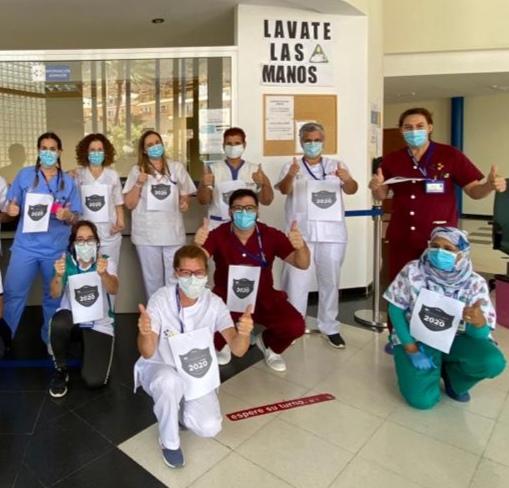 Profesionales del Área de Salud de Fuerteventura apoyando la iniciativa de la AECC