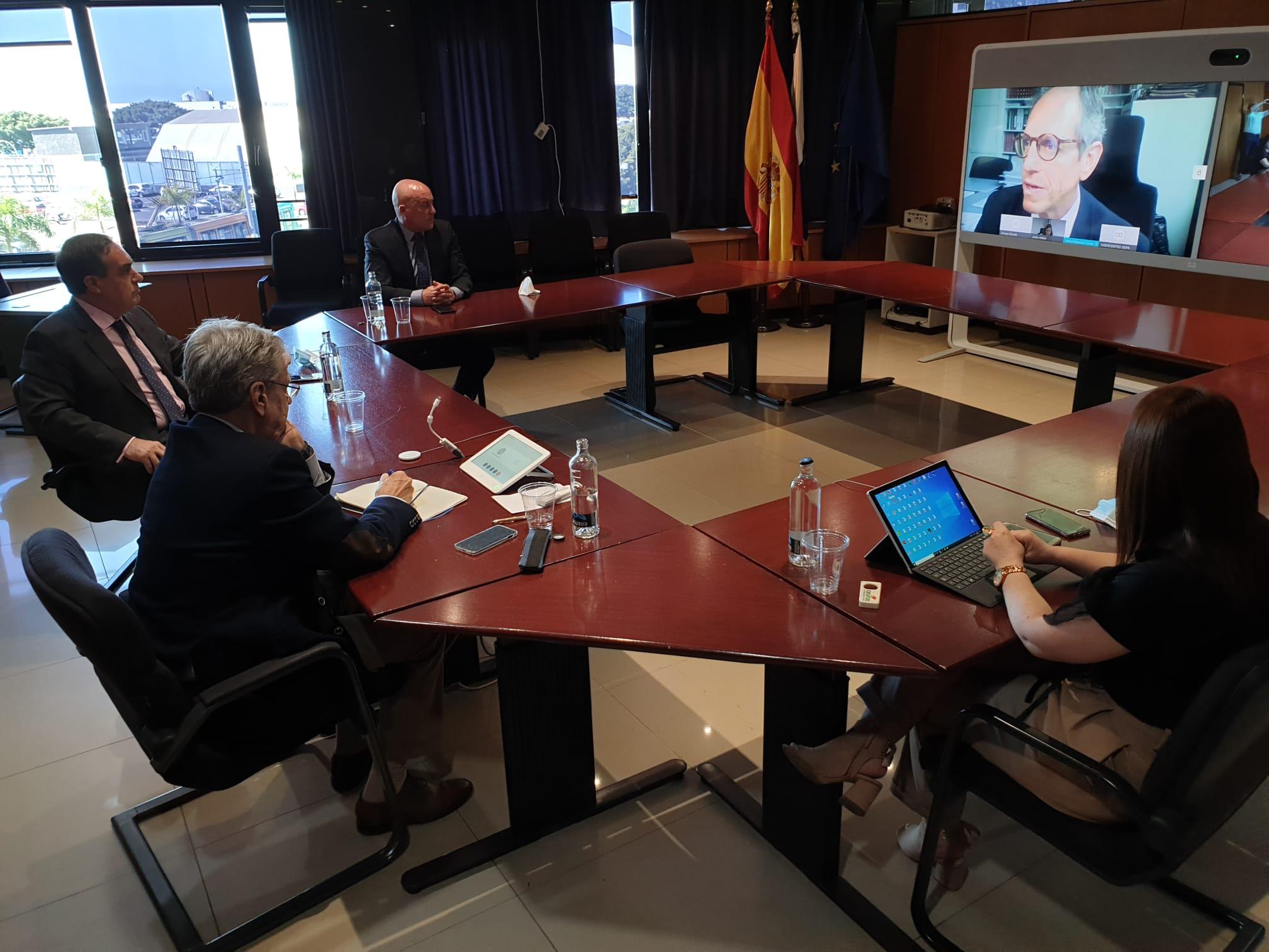 Reunión de Julio Pérez con el Consejo Canario de Abogados