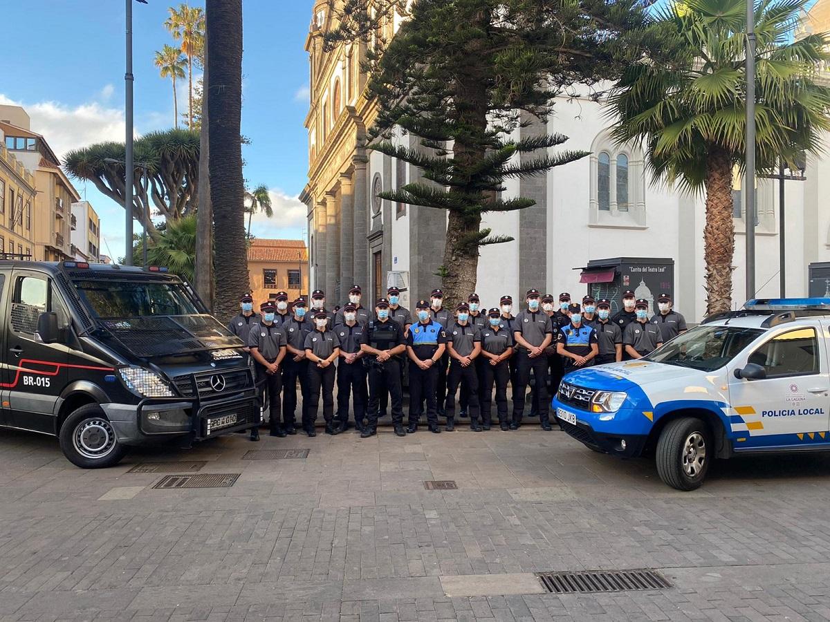 Agentes de la Policía Canaria en práctica de curso básico
