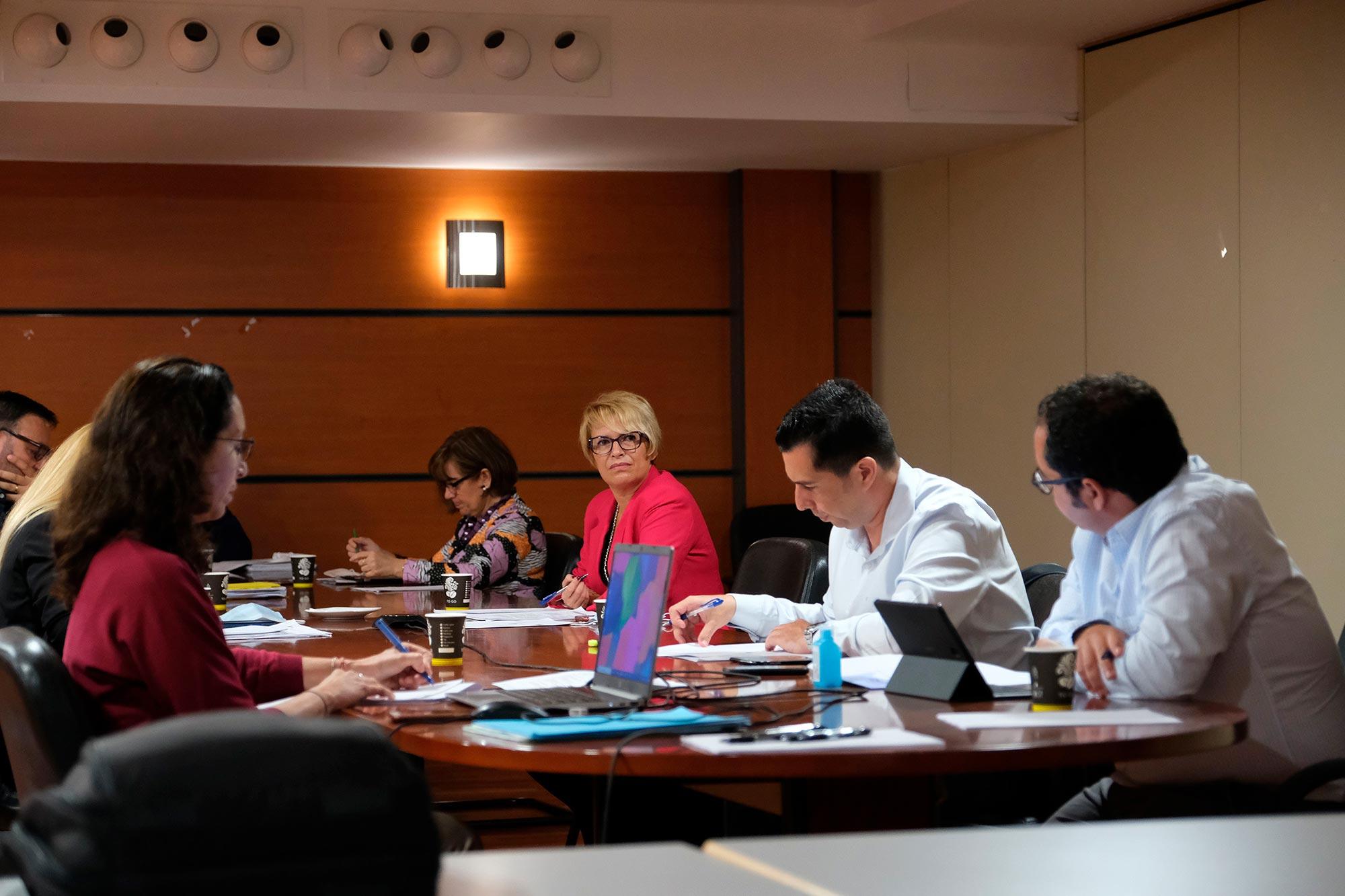 Gobierno, patronales y sindicatos defienden el diálogo social como vía para proteger la singularidad canaria
