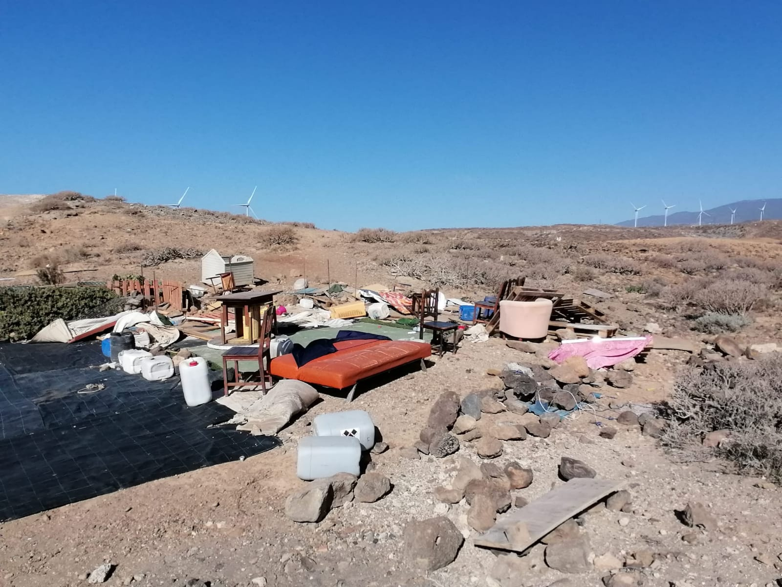 Transición Ecológica abre un expediente sancionador al camping ilegal de Montaña de Abades por vertido de residuos