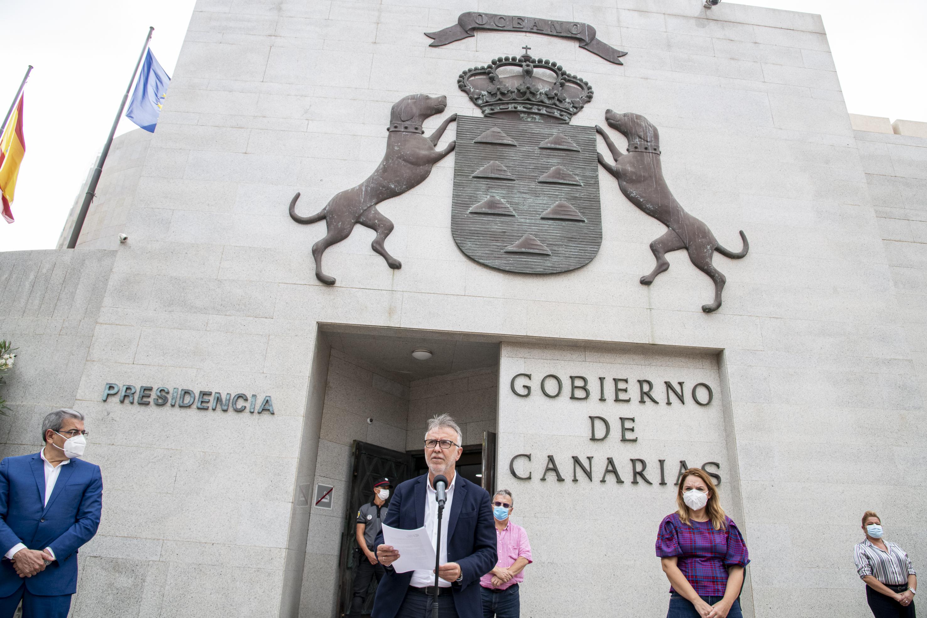 Ángel Víctor Torres leyó el manifiesto institucional de repulsa