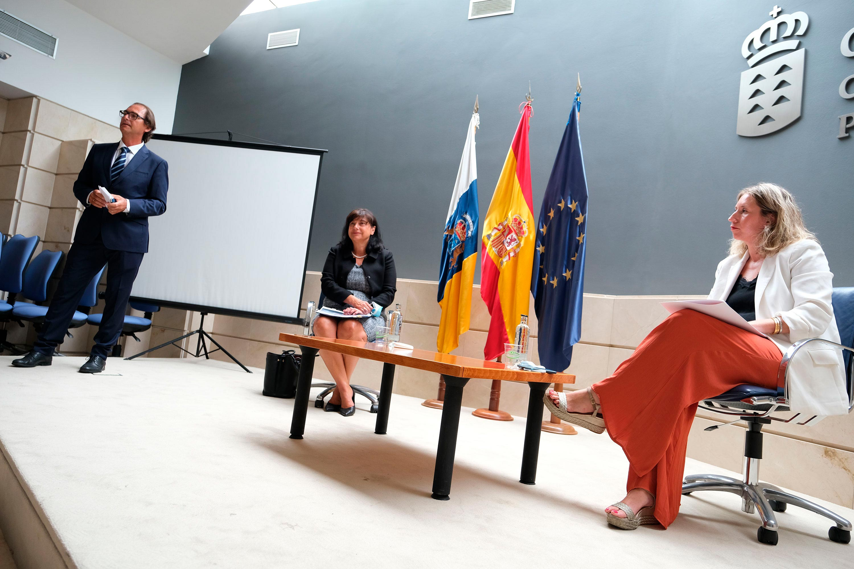Encuentro con la embajadora de Eslovenia