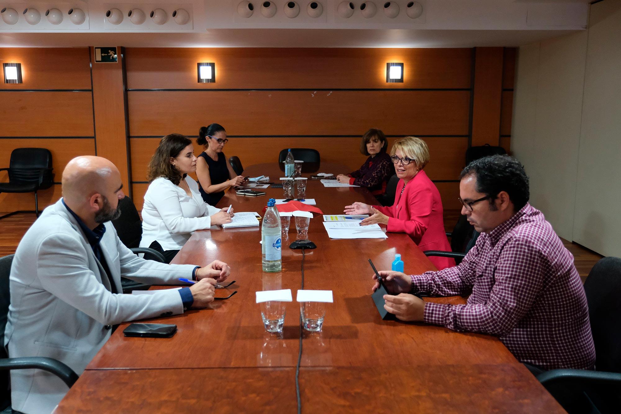 Máñez presenta a los ayuntamientos tres planes de empleo para la reactivación económica por importe de 40 millones