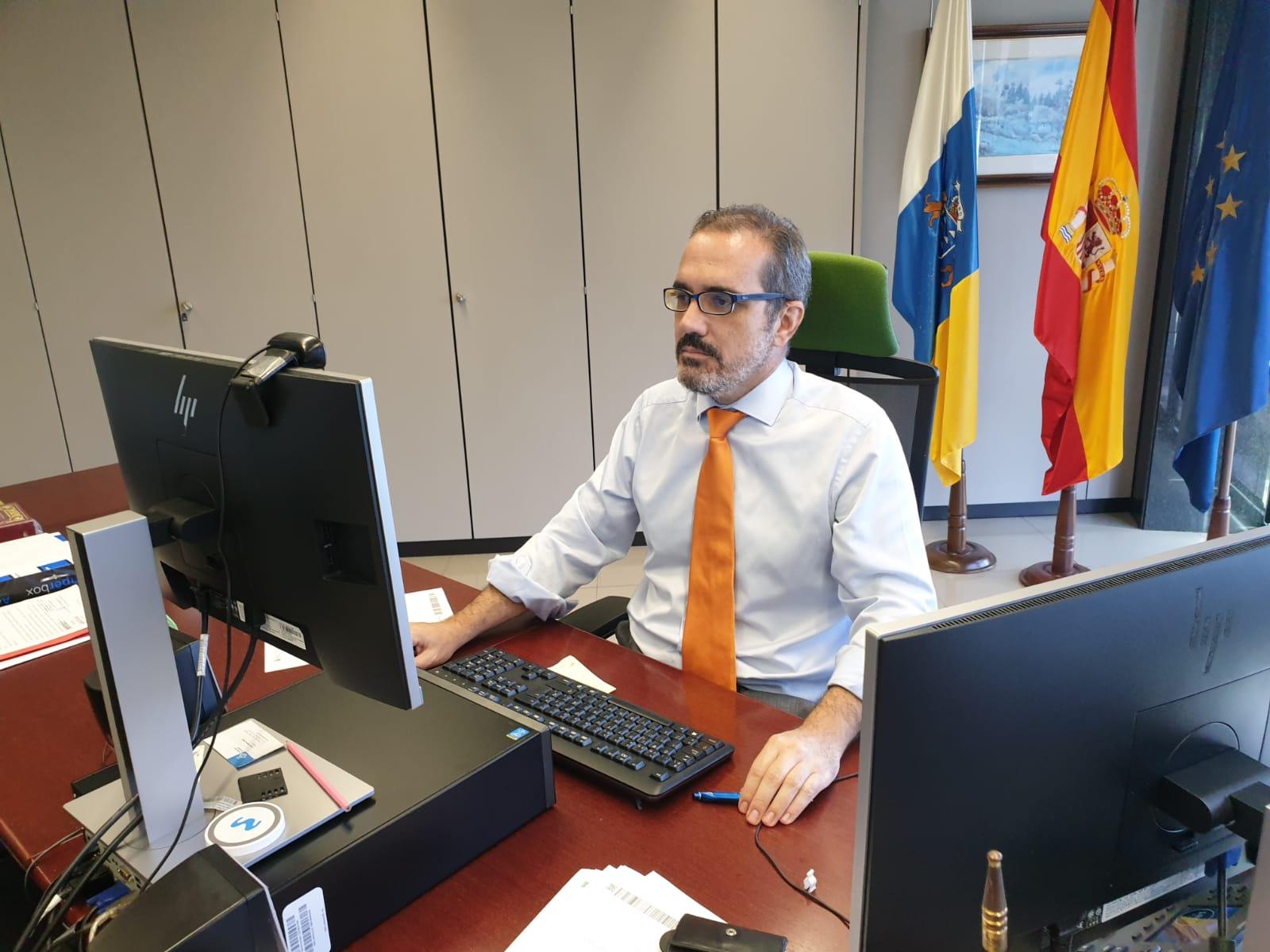 Alejandro Rodríguez, durante la celebración hoy, 31 de julio de 2020, de la Comisión de la Función Pública Canaria