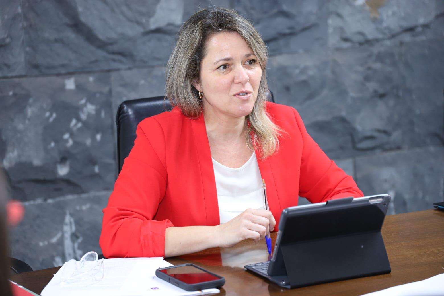 El Ministerio de Agricultura se compromete con el depósito de San Miguel en La Palma