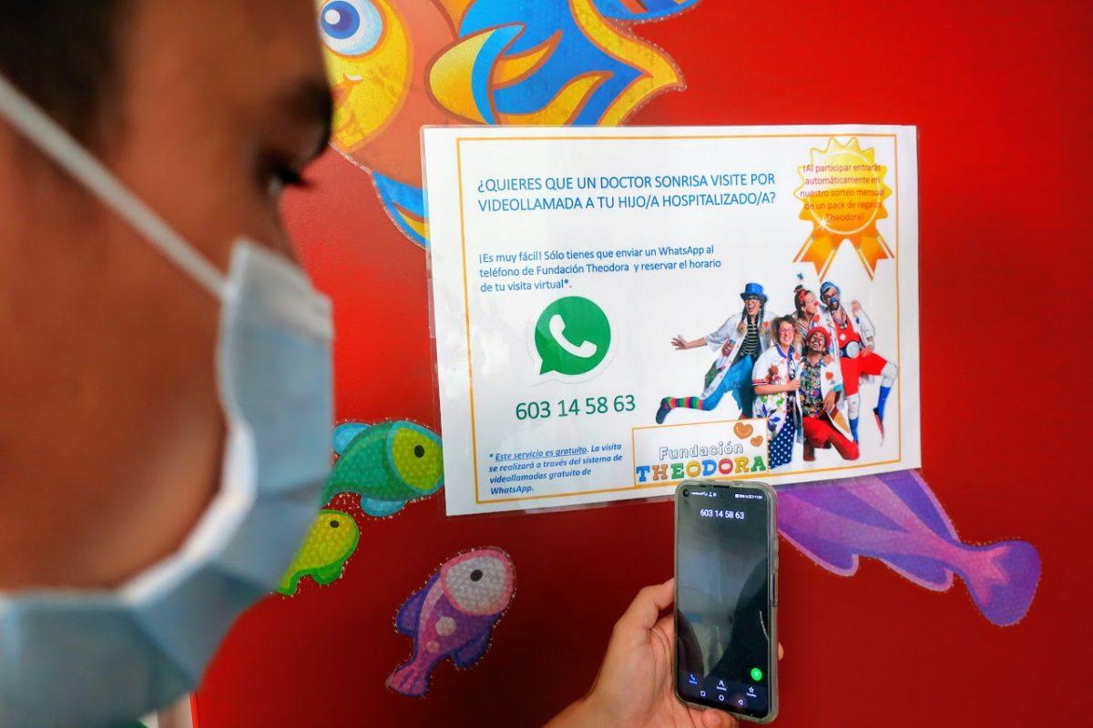 La Candelaria y el Materno Infantil facilitan la visita 'virtual' de los Doctores Sonrisa a pacientes pediátricos