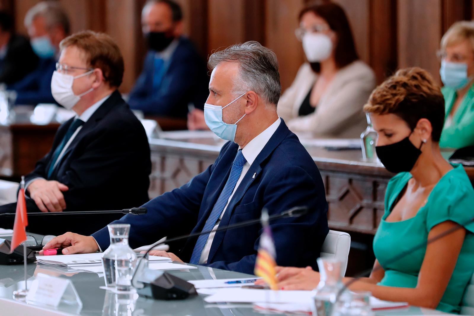Canarias confía en que las negociaciones con Reino Unido den sus frutos y que se pueda levantar la cuarentena