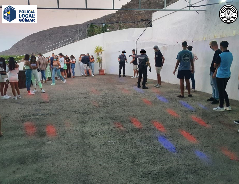 olicía Canaria y Local desmantelan una fiesta en Güímar por incumplir las medidas frente a la Covid-19