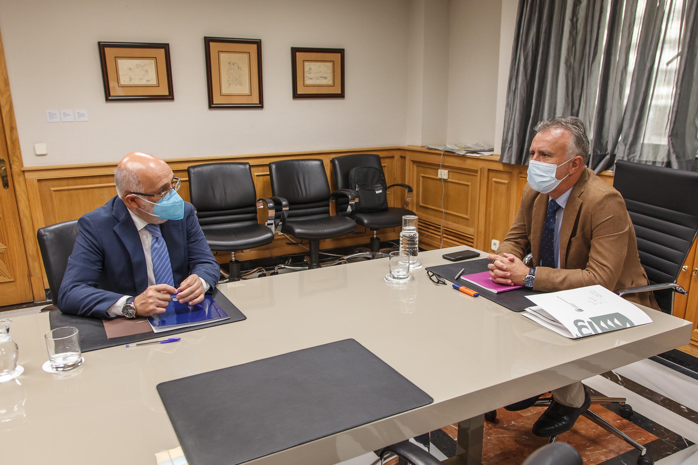 Ángel Víctor Torres y Antonio Morales