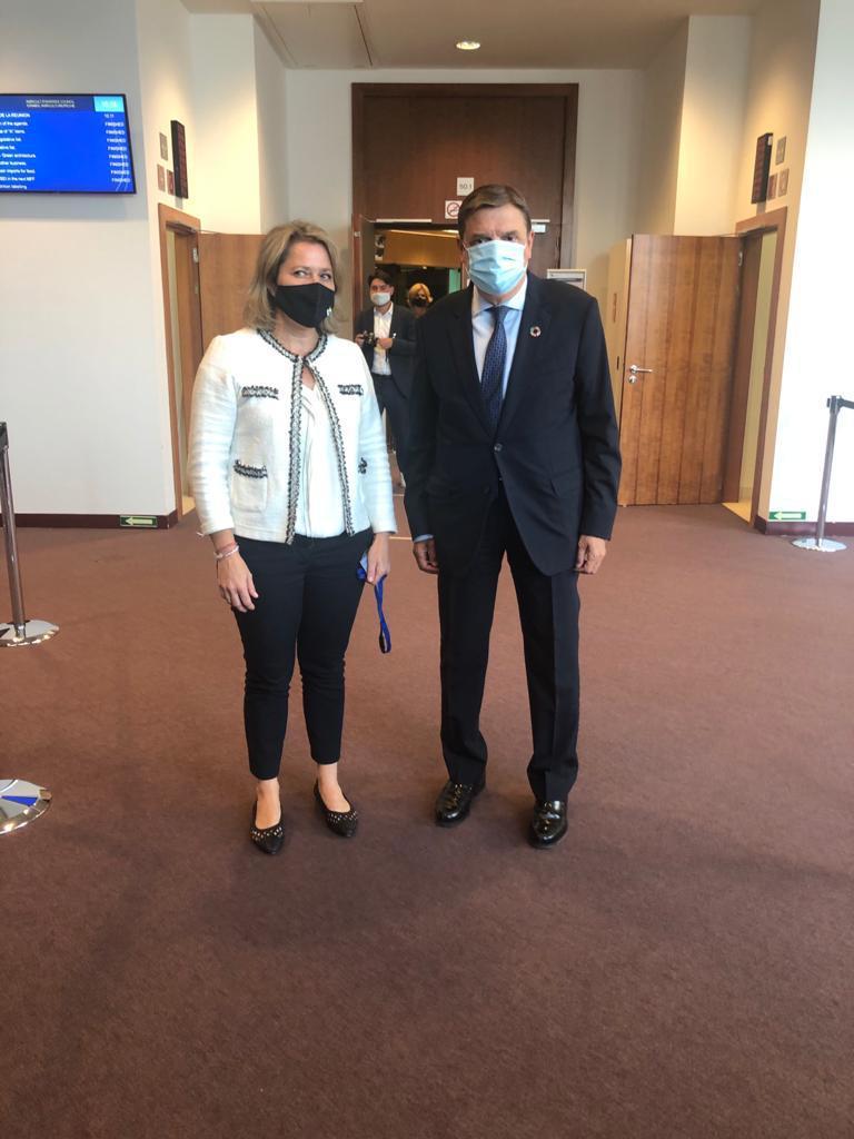 Vanoostende destaca en Bruselas el apoyo decidido del Gobierno de España por mantener la ficha del POSEI