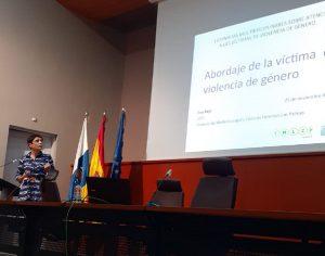 Eva Bajo, subdirecora Instituto Medicna Legal, en su ponencia