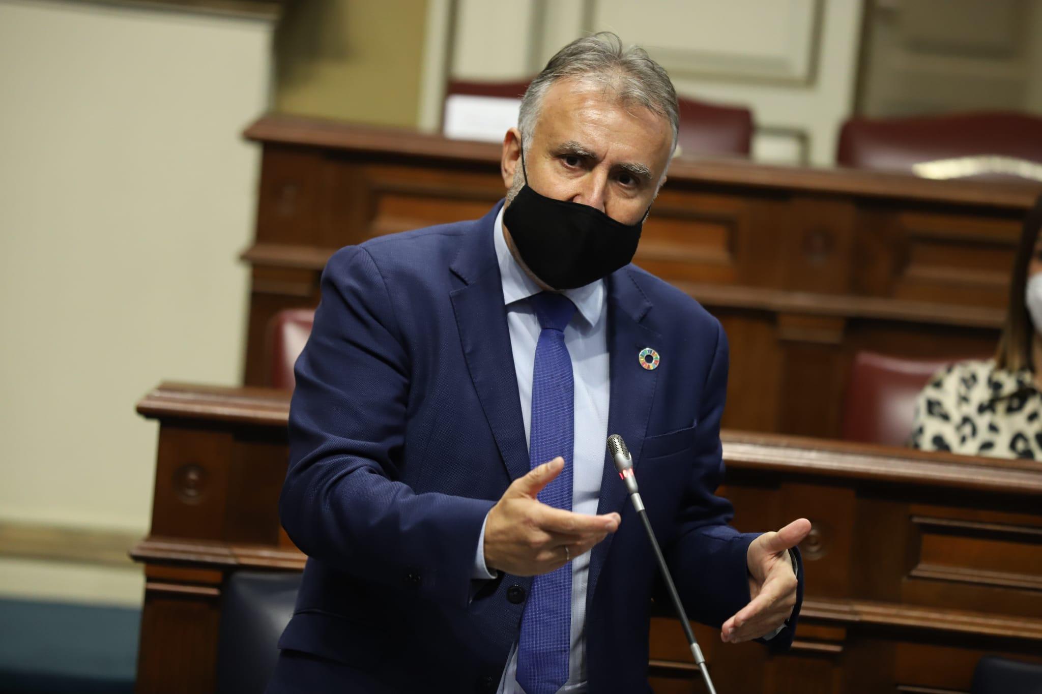 Pleno del Parlamento de Canarias - Ángel Víctor Torres