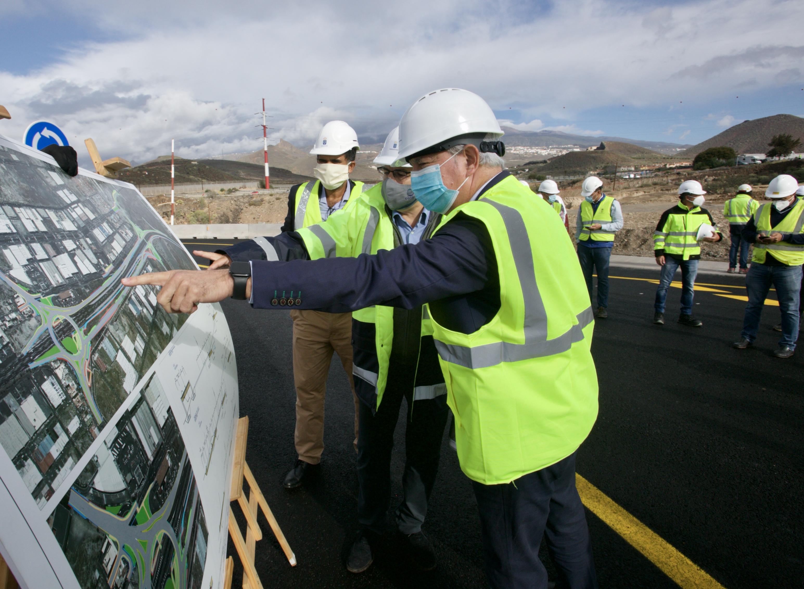 Obras Públicas pone en servicio, para agilizar el tráfico, un tramo que se ejecuta entre Las Chafiras y Oroteanda