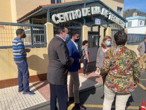 Blas Trujillo y Luis Yeray Gutiérrez en el Centro de Mayores de Tegueste