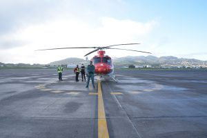 Helicóptero con las vacunas