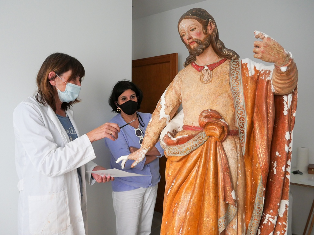 Visita al taller de restauración en Femés
