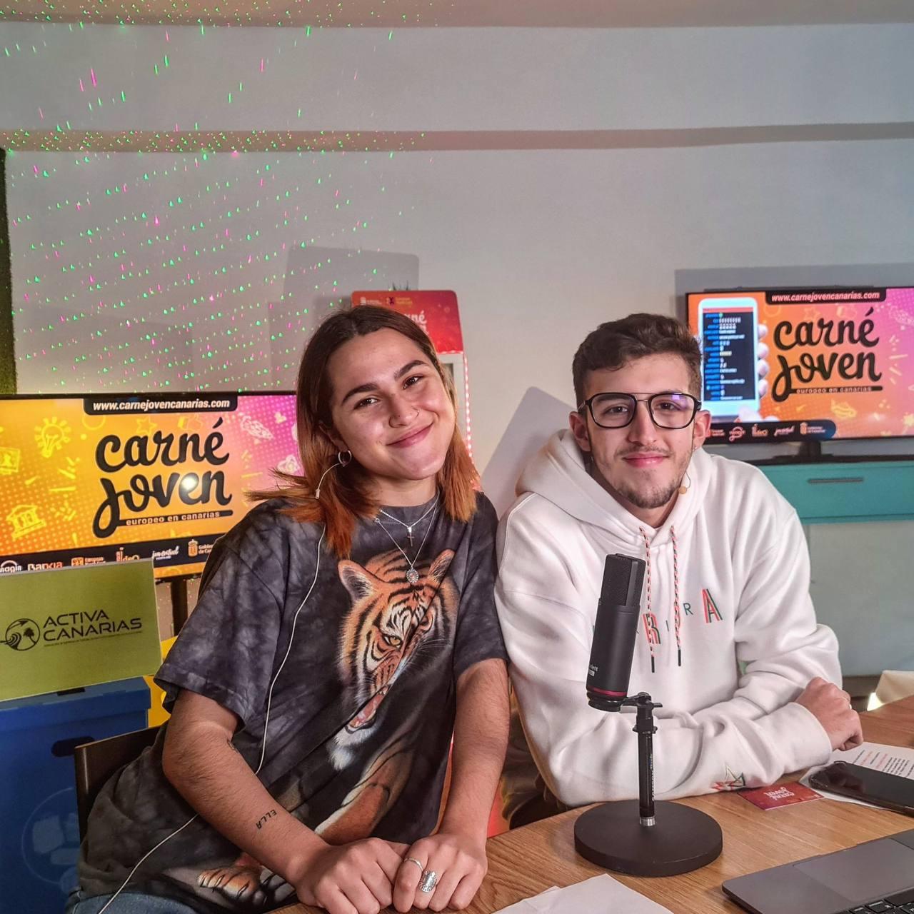 Sara Álamo y Nico Noda, protagonistas del canal de Juventud