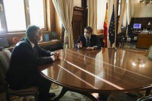 Torres avanza que Planas visitará las Islas para conocer 'in situ' las preocupaciones del sector agropesquero