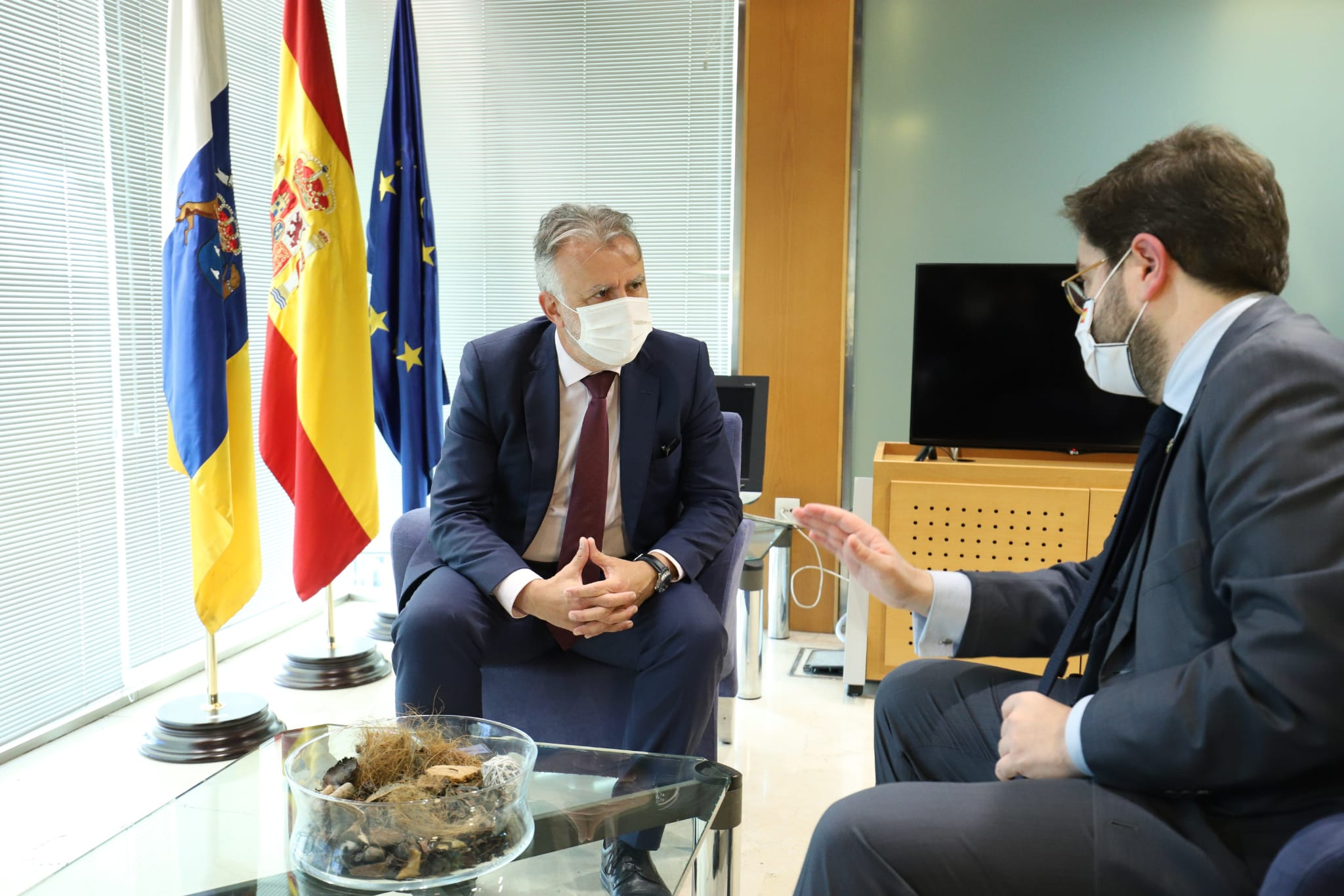 Ángel Víctor Torres y el secretario de Estado de la España Global