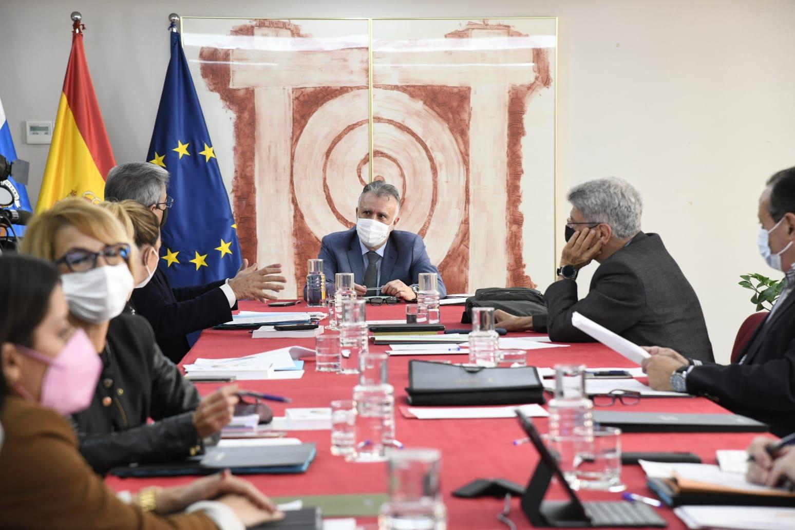 Torres intervendrá ante el Parlamento Europeo y Senado para reclamar una respuesta adecuada al fenómeno migratorio